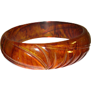 Vintage Bakelite Bangle Carved