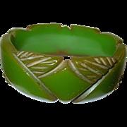Vintage Bakelite Bangle Carved Design