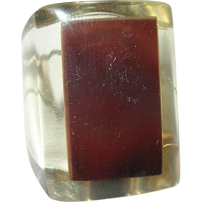 Vintage Lucite Ring 87