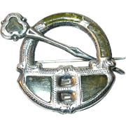 Victorian Sterling Scottish Kilt Brooch Green Agate