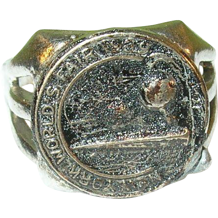 vintage 1939 new york worlds fair ring from robbiaantique