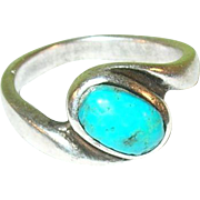 Vintage Sterling Silver & Turquoise Ring
