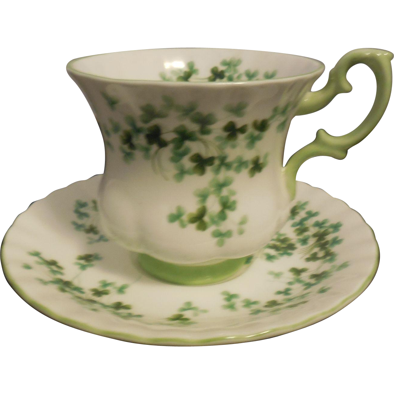royal albert bone china shamrock tea cup and saucer from ellenscollectibles on ruby lane. Black Bedroom Furniture Sets. Home Design Ideas