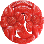 Bakelite Pin Red Chunky Carved and Reticulated 1940's