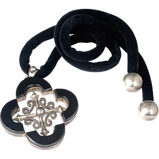 Antonio Pineda Mexican 970 silver and black onyx Necklace ~ Taxco mod quatrefoil design
