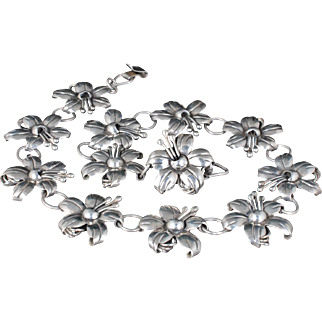 Maricela Mexican silver Necklace ~ vintage Isidro Pina Taxco hibiscus design
