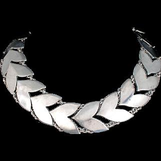 classic Fred Davis Mexican silver Necklace in a Deco chevron design