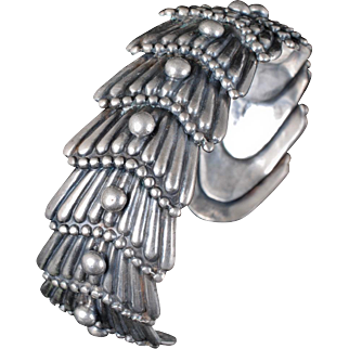 Los Castillo Mexican silver Cuff Bracelet ~ Taxco repousse fishtail with beading des. no 732
