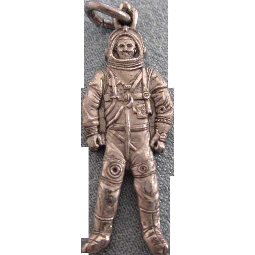 vintage astronaut charm - photo #22