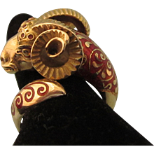 FINAL CLEARANCE  Exquisite 18K 750 Yellow Gold and Guilloche Enamel Wrap Ram's Head Ring, Size 7