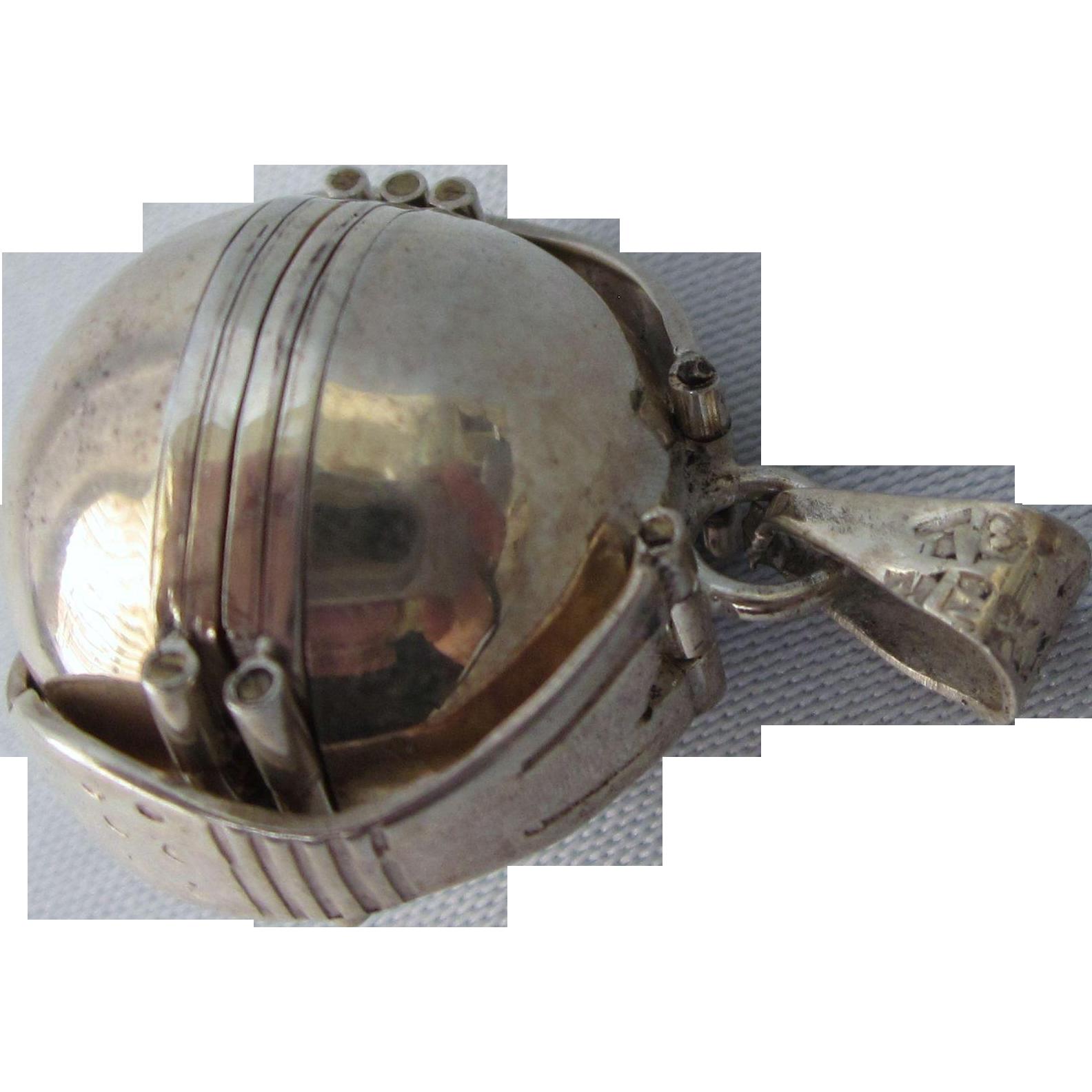 Vintage Silver Locket 107