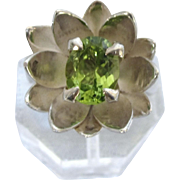 Vintage Sterling Silver Peridot Gemstone Lotus Blossom Design Ring, Size 7-3/4