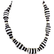 "Striking Retro White Glass and Black Plastic Discs 19-1/2"" Necklace"