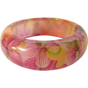 Chunky Lucite Tropical Floral Design Bangle Bracelet - Gorgeous!