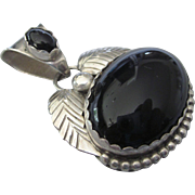 Vintage Signed RS Roger Skeet Navajo NA Sterling and Onyx Pendant