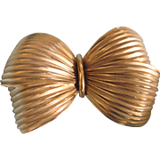 Signed Valenza Vintage Puffy Pleated Bow Goldtone Brooch