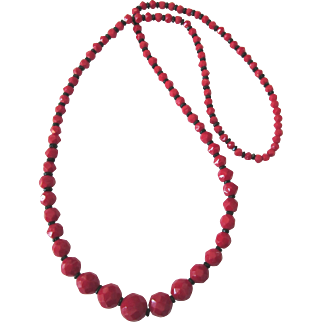 """Vibrant Vintage Red and Black Glass Faceted Graduated Bead 30"""" Rope Necklace"""