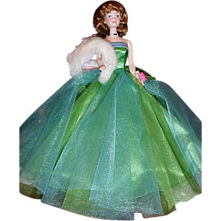 30th Anniversary Porcelain Midge in Green Prom gown white fur gorgeous