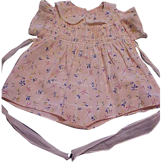 """Very rare pink flowered cotton print smocked romper for the 21"""" Dydee Baby Original Effanbee"""