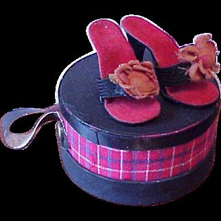 Vintage Cissy heels black with rose plus round hat box