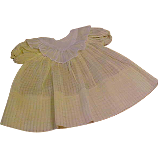 """Lovely yellow windowpane Dydee Baby dress with V lace white collar for 15"""" doll"""