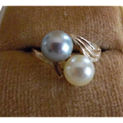 Vintage 14K Gold Grey & Cream Cultured Pearls Ring