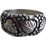 Vintage Sterling Silver Leaf & Berry Band Style Ring