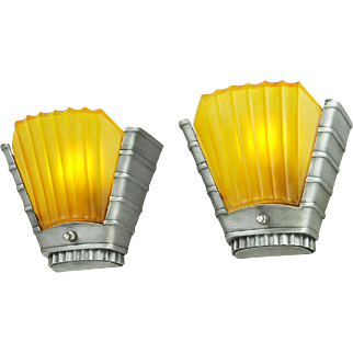 Art Deco Streamline Design Pair of 1930s Wall Sconces by Mid West (ANT-604)