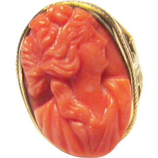 Vintage Estate Beautiful Early 1900's 10KT Carved Pink Salmon Coral Cameo Ring
