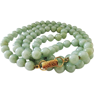 "Vintage Estate Mings of Honolulu 14K Gold Clasp Hand Knotted 30"" Translucent Celadon Green Jade Bead Necklace"