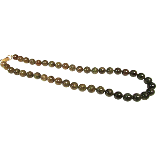 """Vintage Estate Mings of Honolulu 14K Gold Clasp 9.5 mm Graduated By Color Hand Knotted 16"""" Translucent Jade Necklace"""