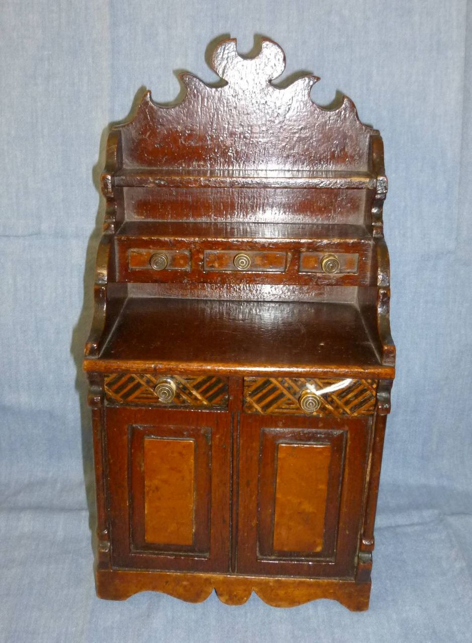 Miniature chest as a bank