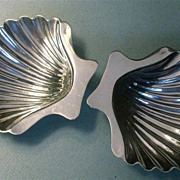 Pair vintage sterling salt cellars  shell shaped hallmarked GWO 1748