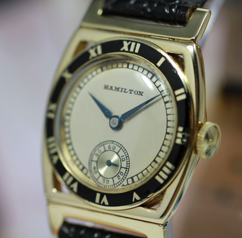reflet subsampling in boucheron editor jewellery gold watches watch the false upscale product yellow shop crop scale