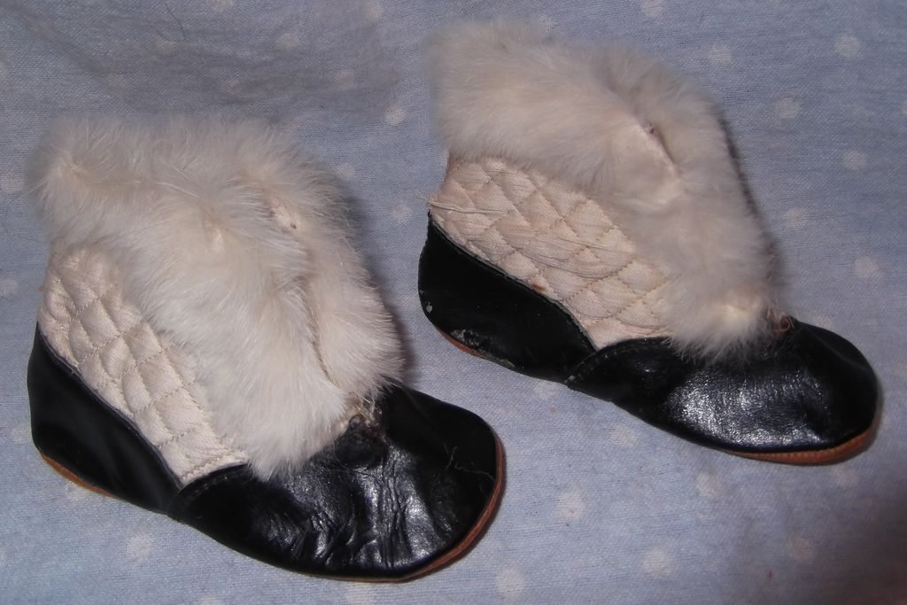 how to make doll slippers