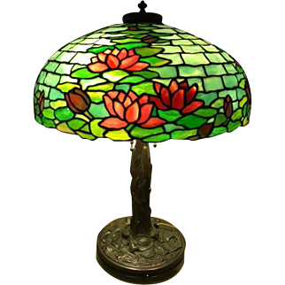 85- Duffner and Kimberly waterlily leaded lamp