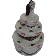 Limoges LAGLIORETTE Hand-painted Wedding cake w/Bride & Groom Trinket Box - signed Made in France