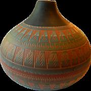 Large-signed Navajo pottery pot