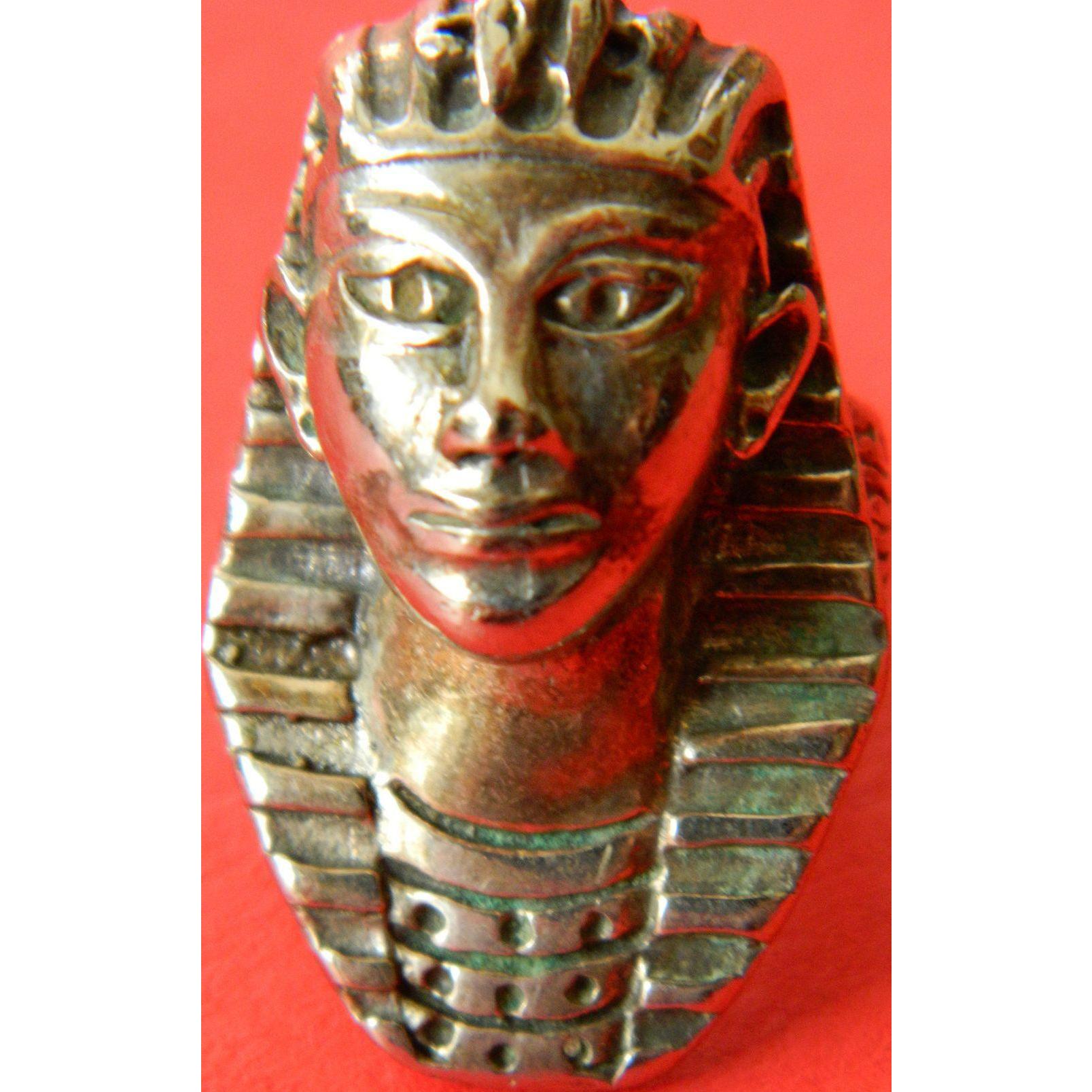 Ring- Egyptian motif