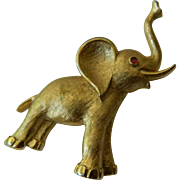 Trifafri elephant pin