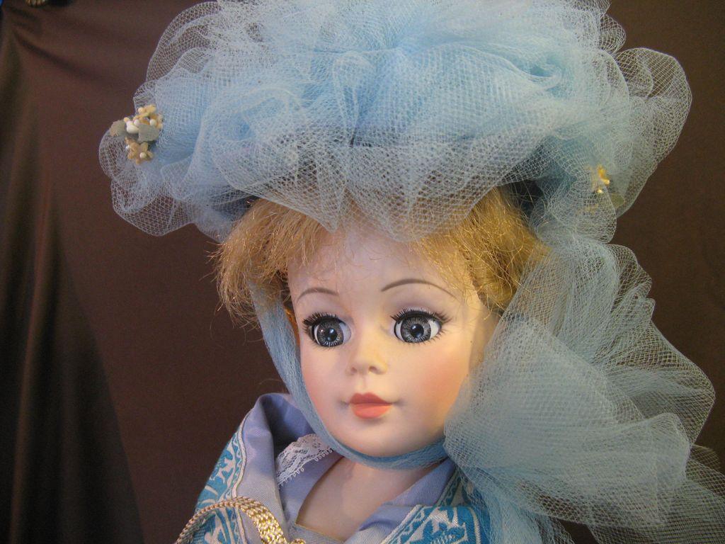 Madame Alexander 1972 Cornelia 21 Inch Portrait Doll & Box