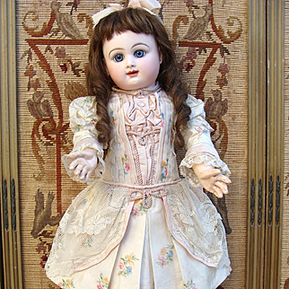 Very nice dress for antique french or german bebe.