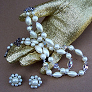 Vintage multistrand necklace signed LAGUNA plus JAPAN ears, faux pearl (ACE)