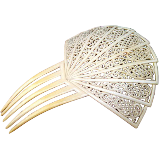 Spanish Style Hair Comb In Large French Ivory Lacy Design