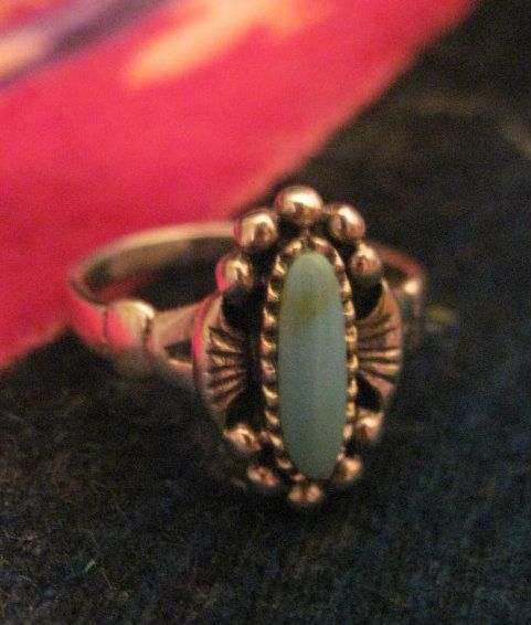 Beautiful Vintage Sterling Silver Native American Turquoise Ring