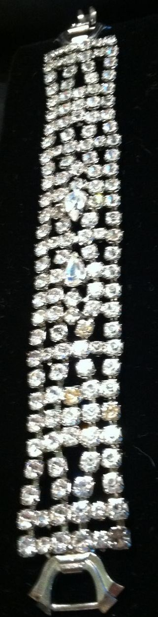 Vintage Signed WEISS Rhinestone Bracelet - Stunning