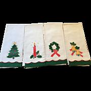 New Old Stock Fine 100% Cotton Christmas Fingertip Towels - Vintage