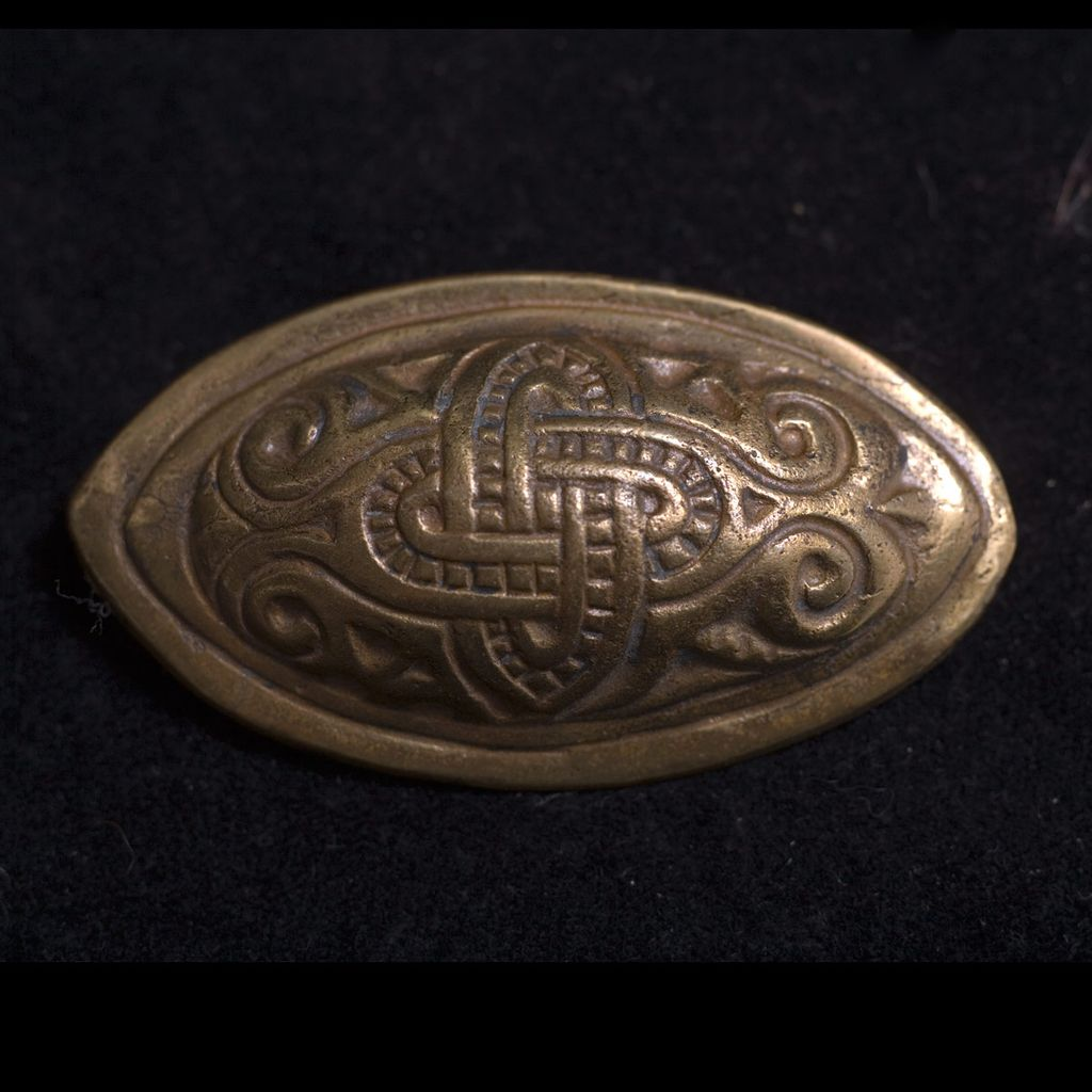 Vintage Kalevala Koru of Finland Viking Motif e Brooch