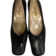 "Vintage Never Worn Black leather Classic CC CHANEL Pumps/Shoes- Made in Italy size 39 1/2-1 1/2"" heel-Fabulous! Free Shipping"