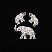 ORA Rhinestone Elephant Brooch Pin Earrings Demi Parure Set Rhodium Plate